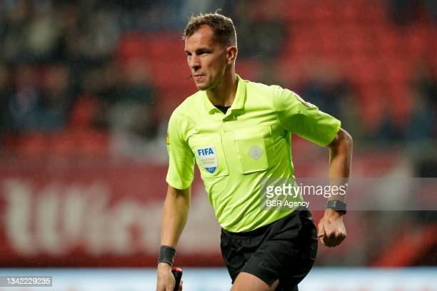 Assistant referee Hessel Steegstra during the Dutch Eredivisie match between FC Twente and AZ at De Grolsch Veste on September 23, 2021 in Enschede,...