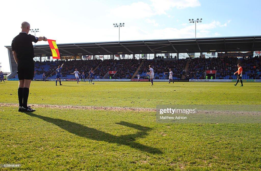 SOCCER : Sky Bet Football League Two - Shrewsbury Town v Oxford United : News Photo