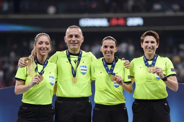 SUPER COUPE EUROPE UEFA 2019 Assistant-referee-manuela-nicolosi-fourth-official-cneyt-akr-match-picture-id1168064384?k=6&m=1168064384&s=612x612&w=0&h=2EyXpi0T3hGfPbtADb9y_BtbZHbg6nr9yW-2fQTbj9E=