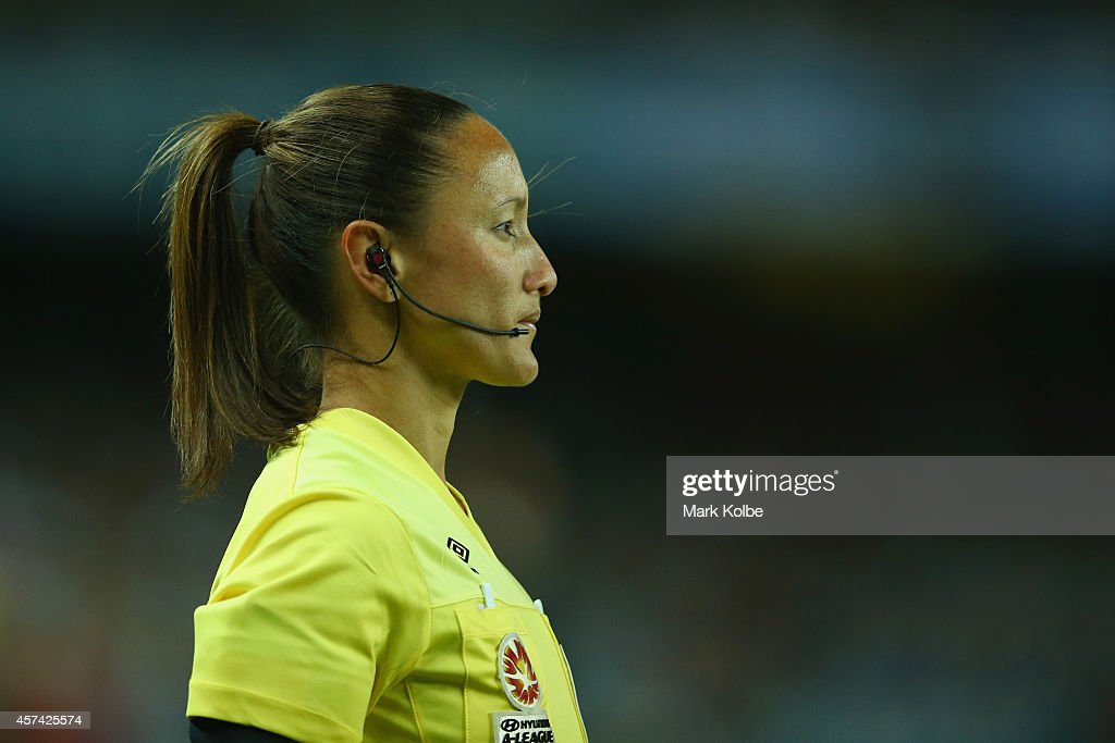 A-League Rd 2 - Sydney v Western Sydney : News Photo