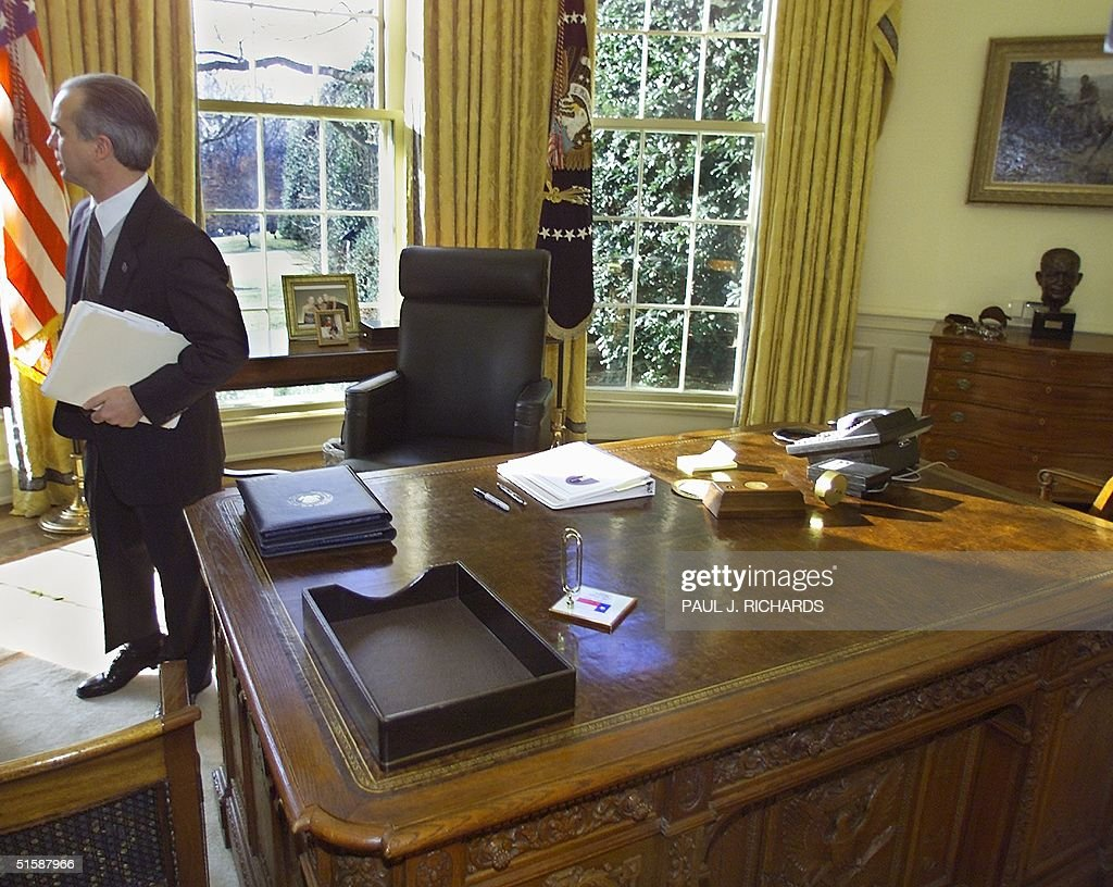 white house oval office desk. Assistant To US President George W. Bush For Legislative Affairs, Nick Calio, Stands White House Oval Office Desk T
