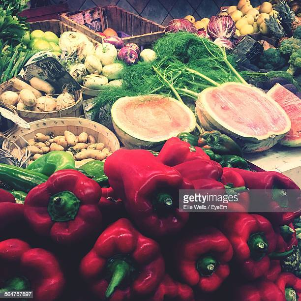 assorted fruits and vegetables at market stall - ellie price stock pictures, royalty-free photos & images
