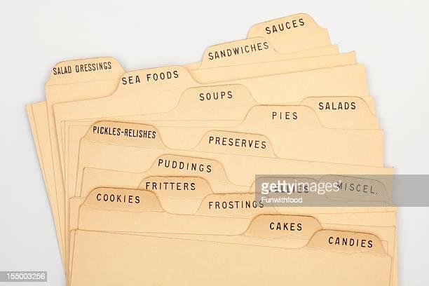 各種のレシピの索引カードタイプ、ヴィンテージ古い紙料理の背景 - インデックスカード ストックフォトと画像