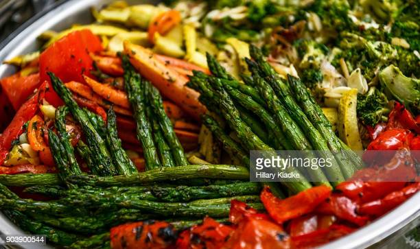 assorted sautéed vegetables - grelhado cozido - fotografias e filmes do acervo
