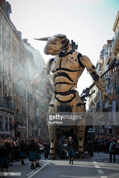 Asterion plays in the streets of Toulouse Hundreds of thousands came to see the final act of the show 'Le Gardien du Temple' from 'La Machine' street...