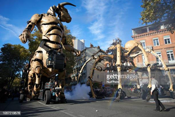 Asterion the Minotaur has awoken Ariane Dozens of thousands came to see from 'La Machine' street theater company the show 'Le Gardien du Temple'...