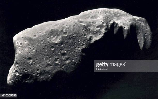 Asteroid 243 Ida taken by the Galelio space probe Ida is the first asteroid that scientists discovered to have a moon The moon has a diameter of...