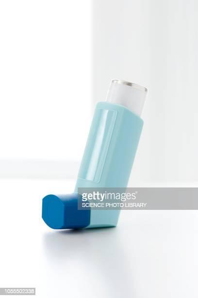 asthma inhaler - bomba para asma imagens e fotografias de stock
