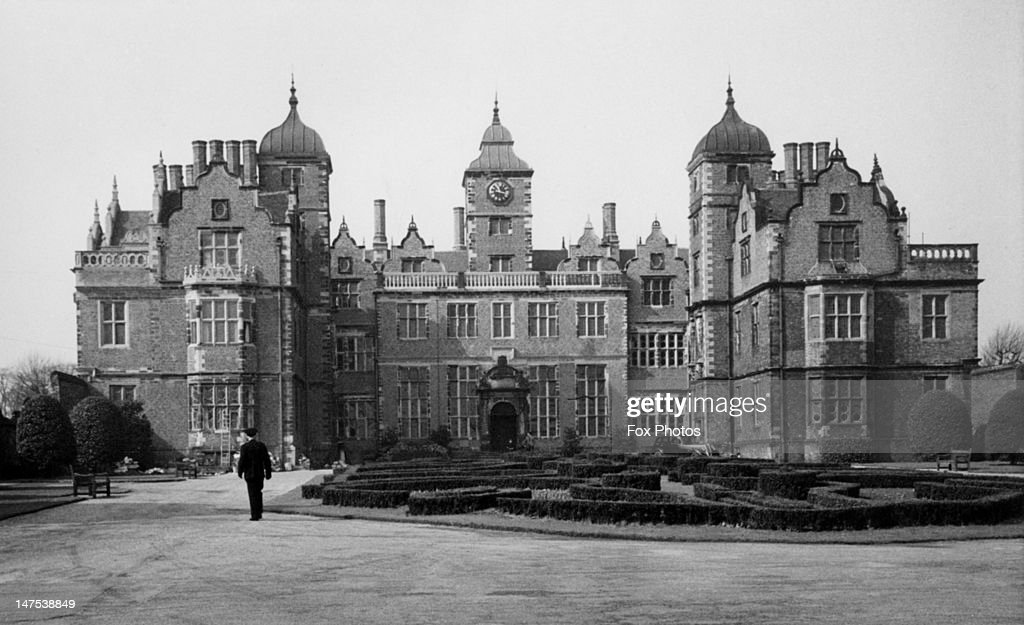 Aston Hall, Aston, Birmingham, 21st December 1960. The Jacobean-style mansion was completed in 1635 and is now a publicly-owned museum.