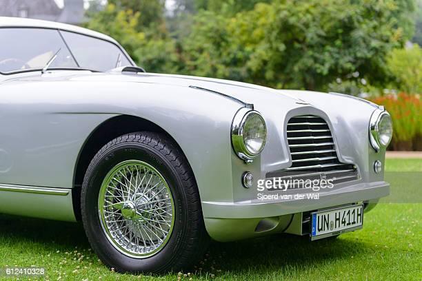 aston martin db2 classic british sports car front - segunda feira - fotografias e filmes do acervo