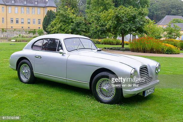 aston martin db2 classic british sports car - segunda feira - fotografias e filmes do acervo