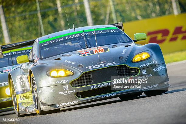 aston martin racing aston martin vantage v8 race cars - circuit de spa francorchamps stock pictures, royalty-free photos & images