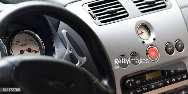 Aston Martin Vanquish intérieur gros plan
