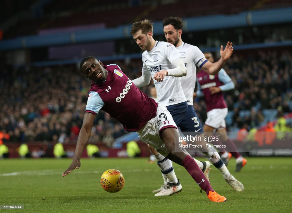 Aston Villa are awarded a penalty after Preston North End's Tom Barkhuizen's challenge on Aston Villa's Keinan Davis during the Sky Bet Championship match at Villa Park, Birmingham.