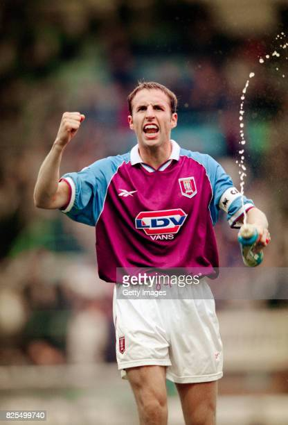 Aston Villa captain Gareth Southgate celebrates after a 21 victory at Highfield Road in the FA Carling Premiership against Coventry City on October 3...