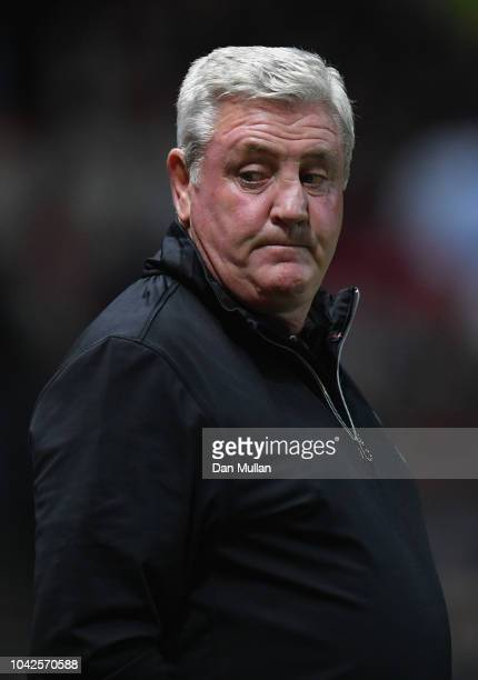 Aston Villa coach Steve Bruce before the Sky Bet Championship match between Bristol City and Aston Villa at Ashton Gate on September 28 2018 in...