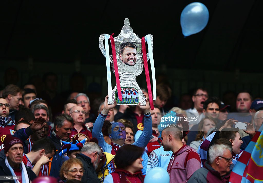 Aston Villa v Liverpool - FA Cup Semi-Final : News Photo