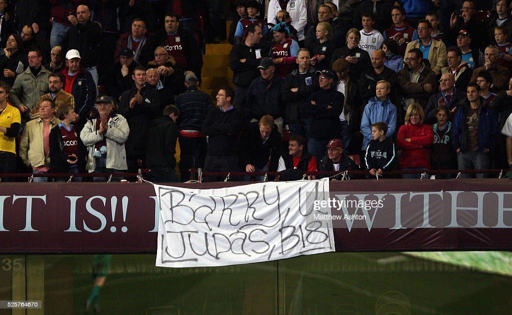 Soccer - Barclays Premier League - Aston Villa vs. Manchester City : News Photo