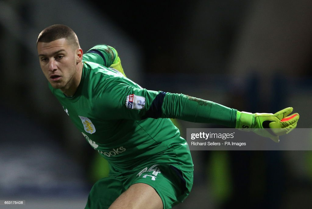 Huddersfield Town v Aston Villa - Sky Bet Championship - John Smith's Stadium : News Photo