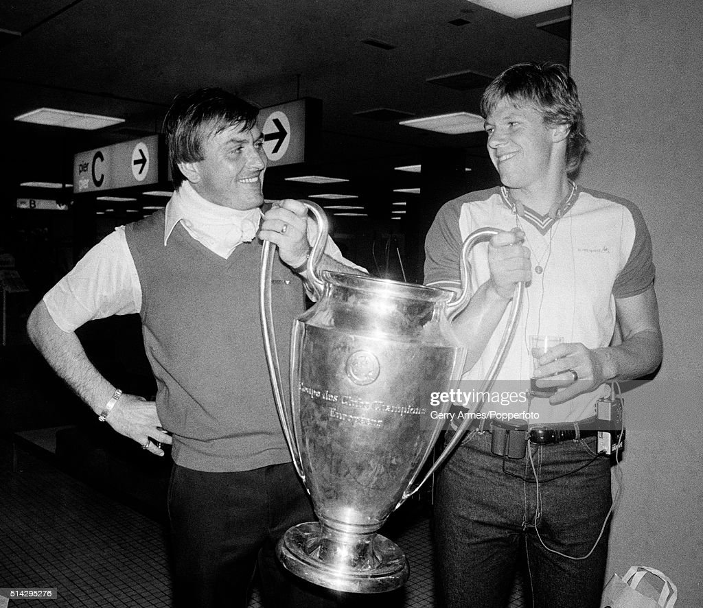 Aston Villa Goalkeepers With The European Cup : News Photo
