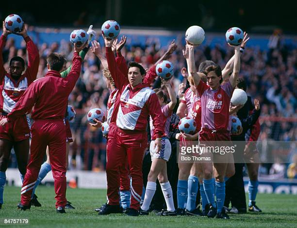 Aston Villa manager Graham Taylor joins his players as they acknowledge the supporters prior to their match against Bradford City at Villa Park May...