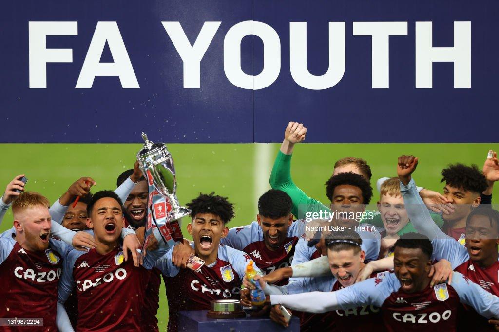 Aston Villa U18 v Liverpool U18: FA Youth Cup Final : ニュース写真