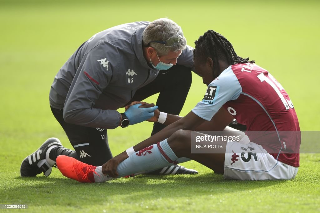 FBL-ENG-PR-ASTON VILLA-SOUTHAMPTON : News Photo