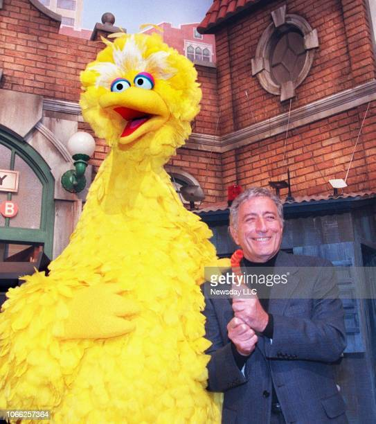 Tony Bennett brought the residents of Sesame Street some new lyrics for the classic Fly Me to the Moon November 11 1997 Bennett visited the Astoria...