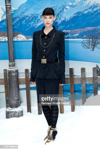 Astrid BergesFrisbey attends the Chanel show as part of the Paris Fashion Week Womenswear Fall/Winter 2019/2020 on March 05 2019 in Paris France
