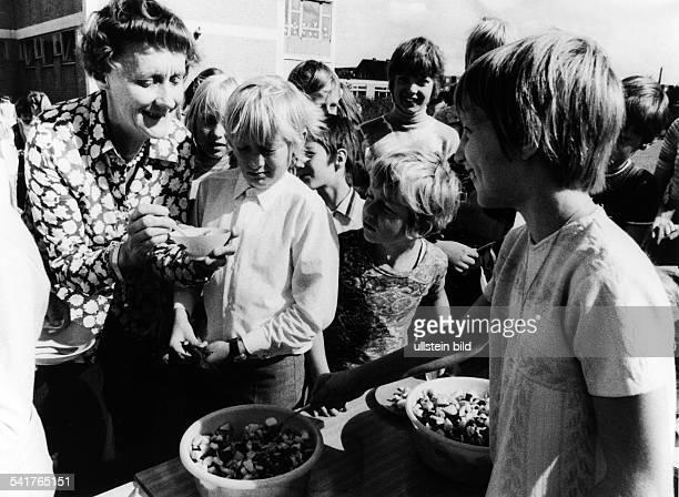 Astrid Lindgren *Schriftstellerin Kinderbuchautorin Schweden als Namenspatronin der 5 Grundschulein Berlin Spandau an der Südekumzeileim Ortsteil...