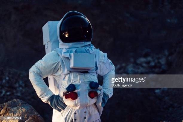 astronaut in outer space - space helmet stock pictures, royalty-free photos & images