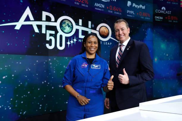 NY: NASA Rings The NASDAQ Closing Bell