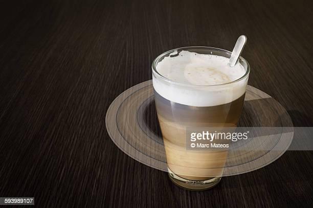 astronomical cappuccino - saturn - marc mateos fotografías e imágenes de stock