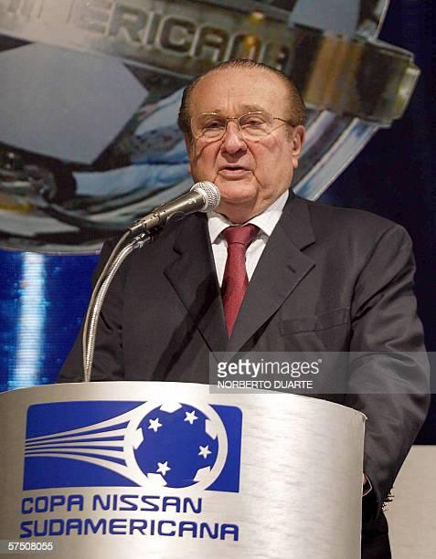 El presidente de la CONMEBOL Nicolas Leoz proonuncia un discurso durante el sorteo de la Copa Sudamericana el 01 de mayo dee 2006 en Asuncion...