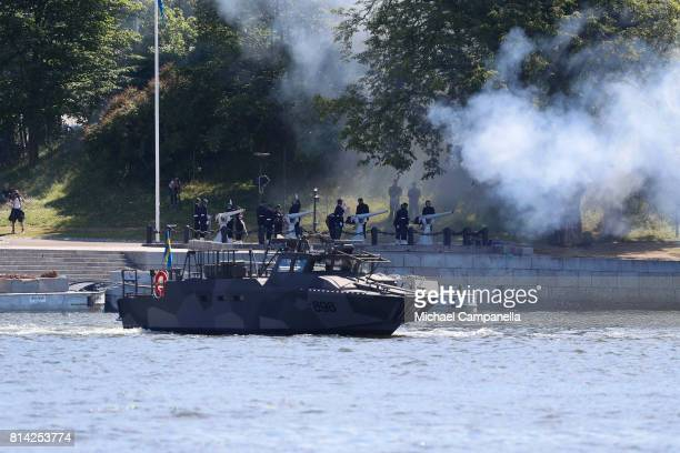 At 12 noon the Armed Forces fired gun salutes from Skeppsholmen as well as from the salute batteries in Boden Haernoesand Karlskrona and Gothenburg...