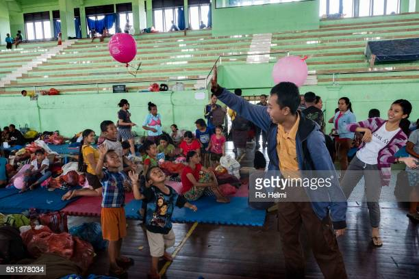 ARENA KLUNGKUNG / SEMARAPURA BALI INDONESIA At a camp for evacuees from the slopes of the volcano Mt Agung in Bali which has been placed on Yellow...
