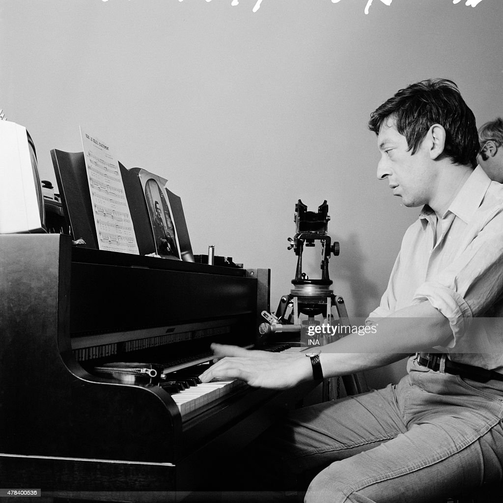 Captivating At His Home, Serge Gainsbourg Playing The Piano On The Occasion Of The  Shooting Of