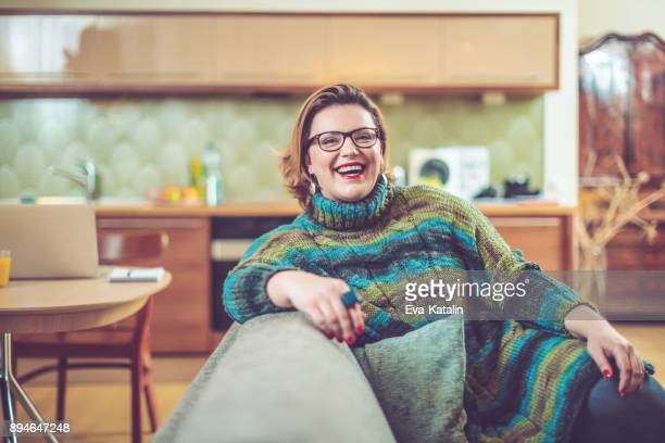 at home - short hair for fat women stock pictures, royalty-free photos & images