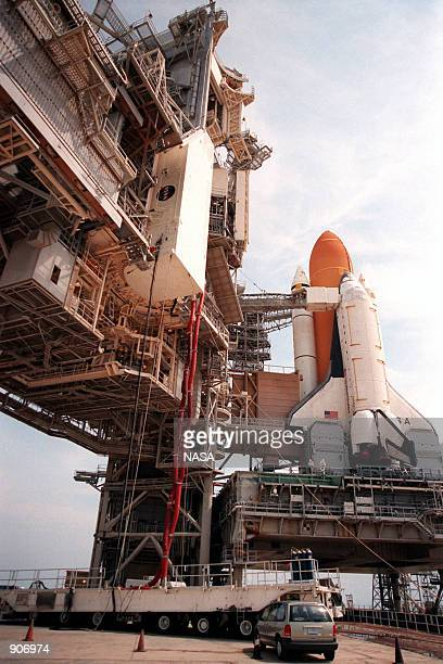 At Launch Pad 39B, the payload canister carrying the Chandra X-ray Observatory is being lifted up to the Payload Changeout Room, June 24, 1999 at the...