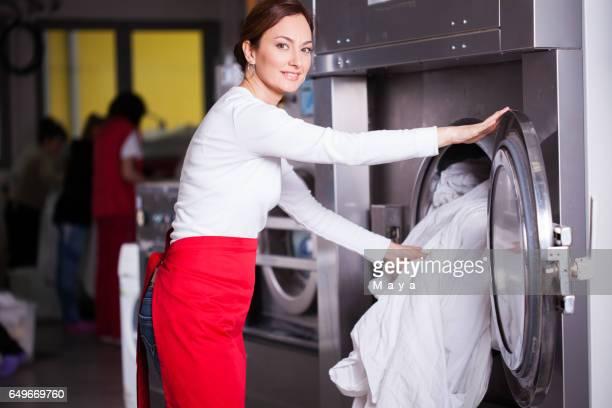 En el servicio de lavandería.
