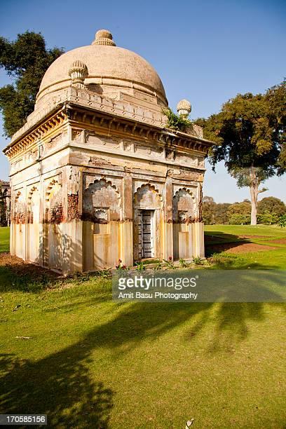 at maharaja's palace grounds. vadodara, india. - mysore - fotografias e filmes do acervo