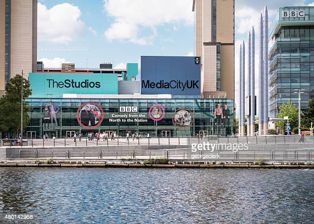 bbc at salford quays - salford stockfoto's en -beelden