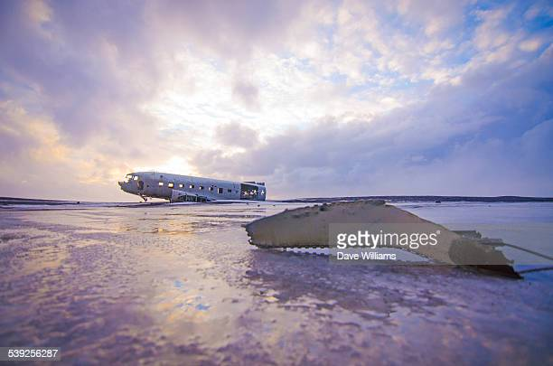 dc3 at solheimasandur, iceland - airplane crash stock pictures, royalty-free photos & images