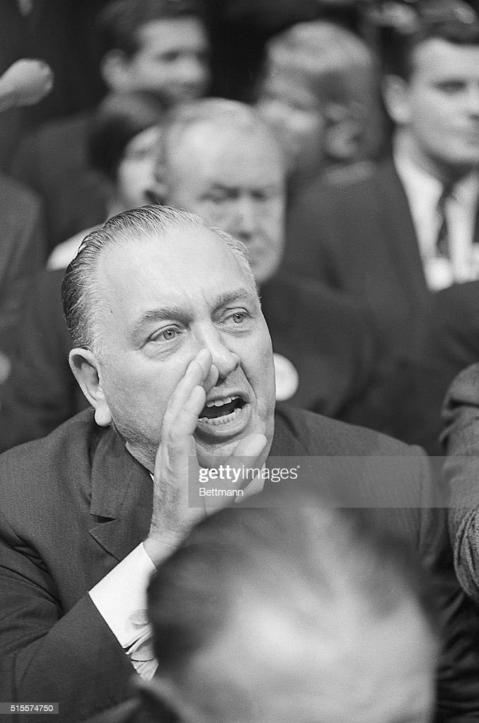 Richard Daley Shouting : News Photo