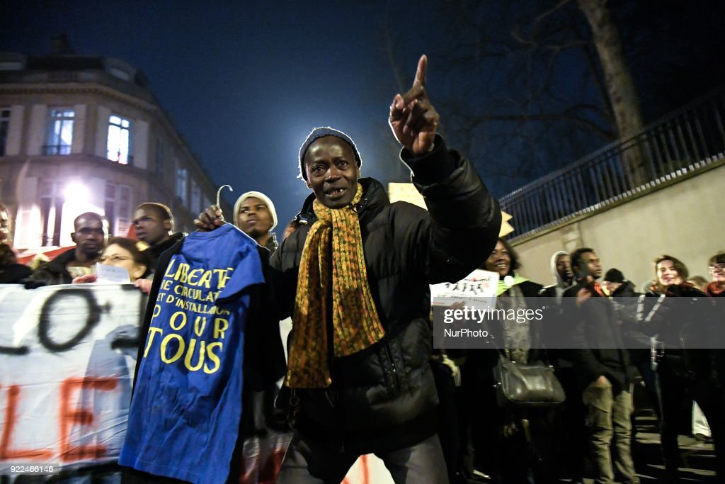 Immigration Law Protest March in Paris : Photo d'actualité