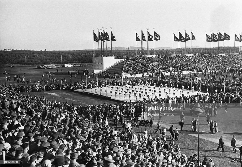 At The Berlin Stadium, Some Thousands Of People Following The Sole Show: The 'Volksfest' Of The Nazi Organisation 'Kraft Durch Freude' (Strenght Through Joy). It Aimed At Organising Leisure Activities For People.