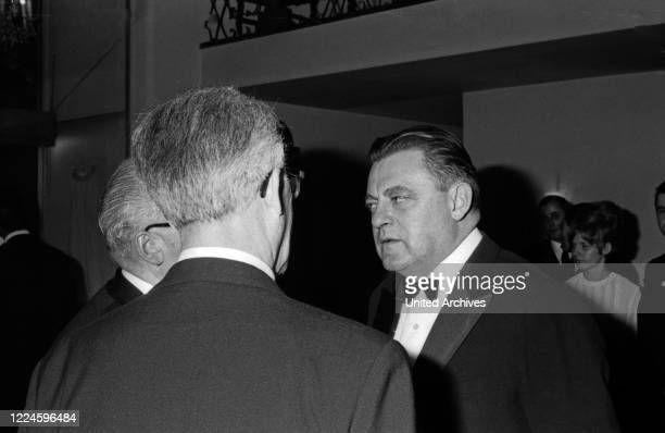 At the Burda Ball Bal Pare in Munich on 21 January 1967 Franz Josef Straufl