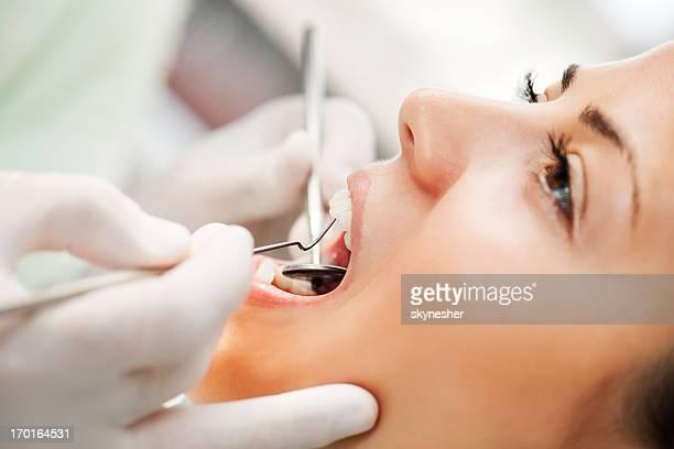 Der Zahnarzt.