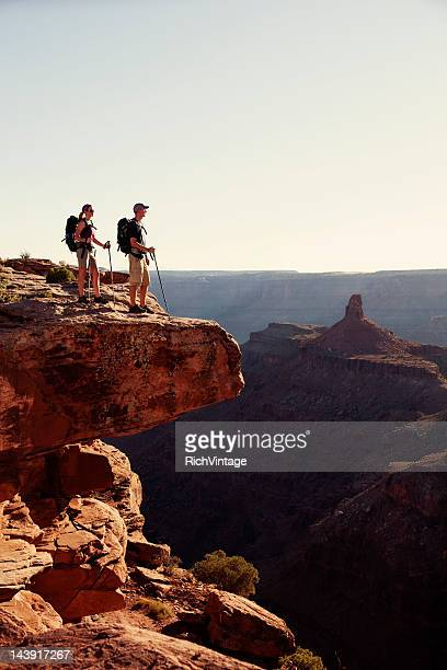 at the edge - dead horse point state park stock pictures, royalty-free photos & images