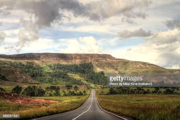 at the end of the plains - la gran sabana fotografías e imágenes de stock